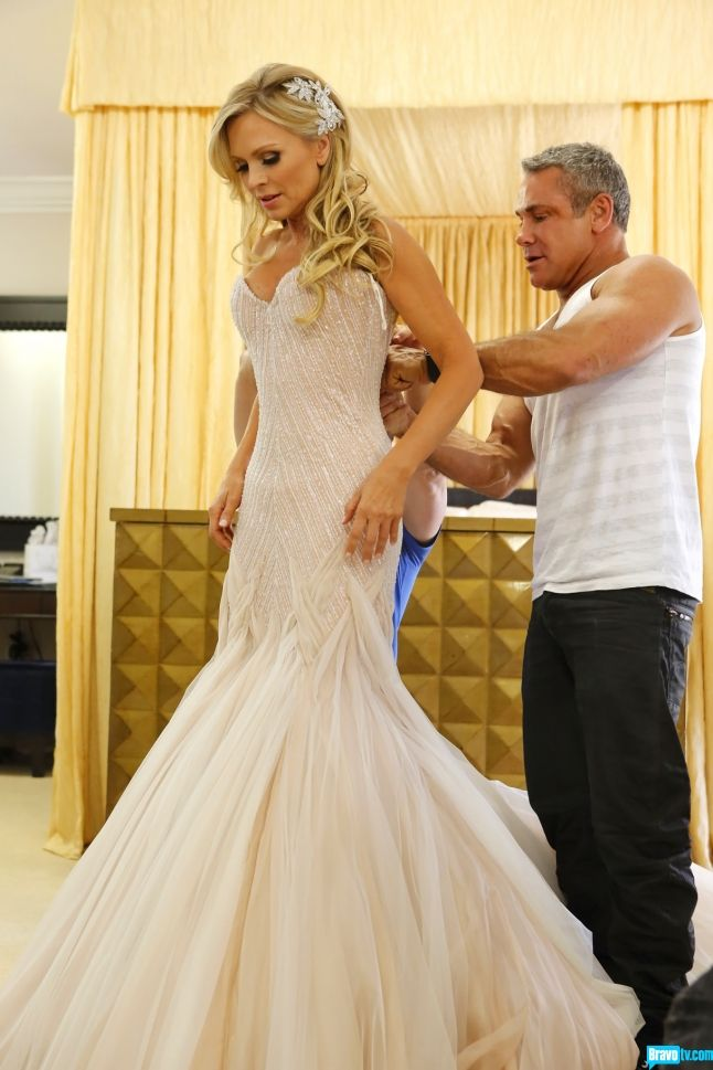 Tamra Barney...dress & hair piece - was anyone else not dying when they saw this masterpiece? LOVED IT