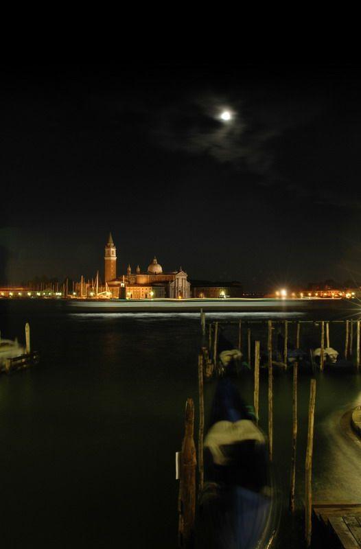 Moonlight...Venice https://www.facebook.com/ouiliviamoraes https://www.liviamoraes.com.br