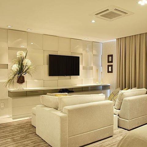 Inspiração para home íntimo✨Amei o painel Projeto by Patricia Franco e Claudia Pimenta. @_decor4home @homeluxoimoveis #interior #interiores #olioliteam #olioli #bloghomeluxo #decor4home #decor #decoracao #design #decoration