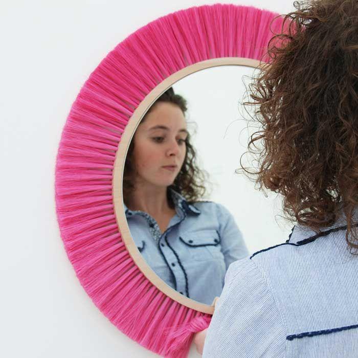 HALO - Specchio a parete con cornice rosa