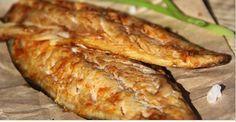 Как приготовить нежную, ароматную и вкусную скумбрию Ингредиенты: скумбрия охлаждённая — 2 шт.; чеснок — 2 #Рецепты #Салаты #Десерты #Мясо #Вкусно #Готовить #Кулинария