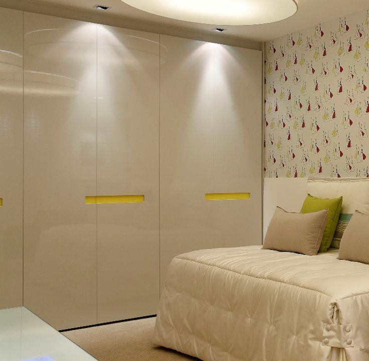 Armario de quarto com 6 portas em laca branca com brilho e for Armario 6 portas