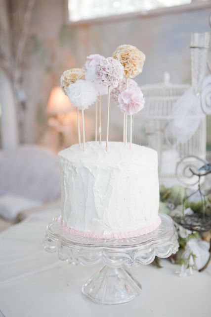 Beautiful cake for a shabby chic baby shower!: Baby Shower Cakes, Cakes Ideas, Shabby Chic Cakes, Pompom, Simple Cakes, Chic Baby Shower, Cakes Toppers, Wedding Cakes, Sweet Cakes