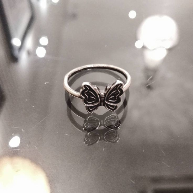 Butterfly silver ring. Available in etsy.  Anillo de plata mariposa Stackable ring. Thin ring. Natural ring.  www.mgjoies.etsy.com""