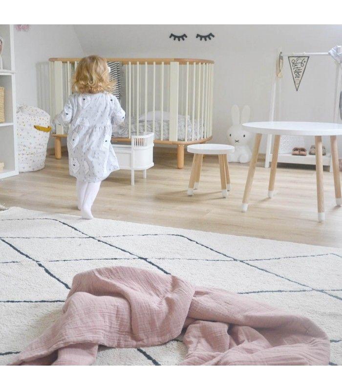 la alfombra ideal para dar un toque clido y de tendencia a la habitacin del beb o al dormitorio o cuarto de juegos infantil esta alfombra en color crema