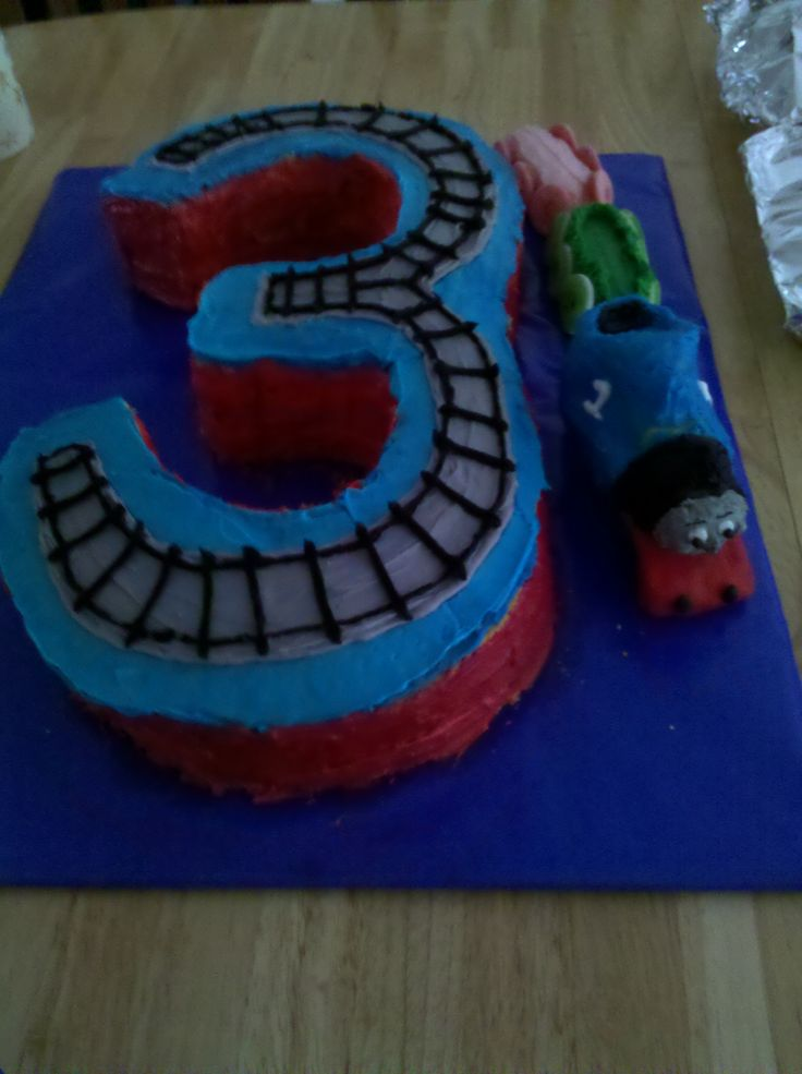 Pictures Of Birthday Cakes For 3 Year Old Boy : 17 Best images about Thomas Party Ideas on Pinterest ...