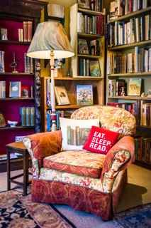 a reading corner or book nooks through out the house would make me so happy! #ILoveToRead! :)