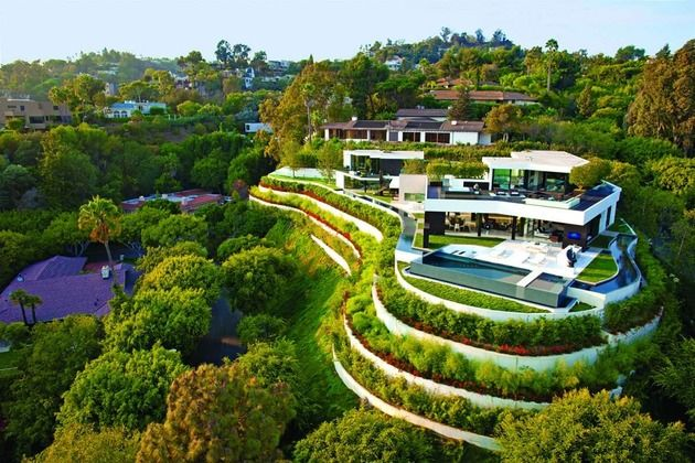 extravagant-contemporary-beverly-hills-mansion-with-creatively-luxurious-details-1-full.jpg