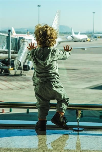 Flying with Kids: Painless Airplane Flight with Toddler?