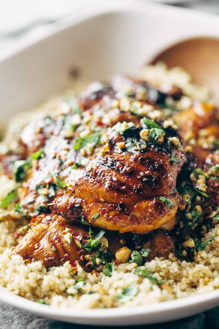 Spicy Thai Chicken and Quinoa, made with chili sauce, agave, lime juice, garlic, cilantro, and peanuts! Sticky, saucy, and delicious. LiveSweetly, AD | pinchofyum.com