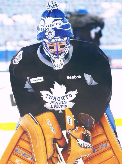 Bernier wearing a fluffy hat during the 2014 Winter Classic