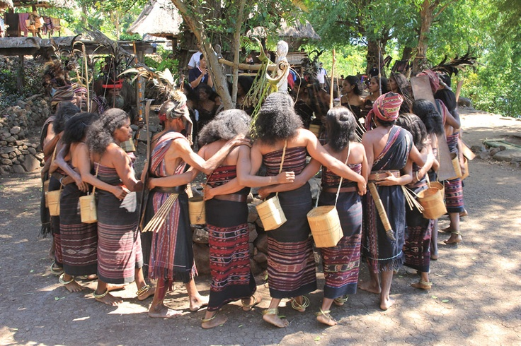 The traditional dance, Lego-lego, is performed by about 20 Abui people who join hands in a circular. They performed the dance by moving around three composite stones called mesbah (altar)—a sacred stone for the people in Alor. The dancers wear traditional clothing; they also wear a brass bracelet with a jingling sound on their ankles.
