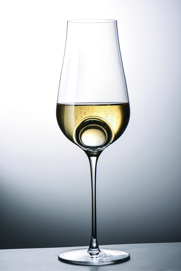 Introducing the First Smart Wine Glass