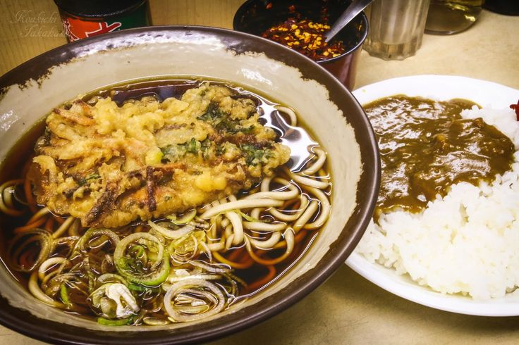 半カレーセット Soba + Half of curry by Koukichi Takahashi on 500px  岩本町の黄色い看板のそば屋。無料の炒った唐辛子が香ばしくてうまい #food #culture #curry #japan #japanese #ktpics #photography #restaurant #soba #そば #カレー #still life #500px