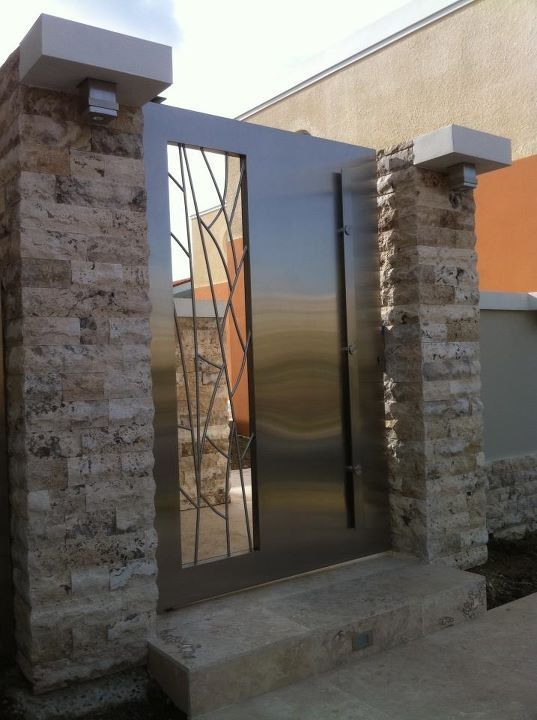17 best images about portones on pinterest modern garage for Modern main gate designs