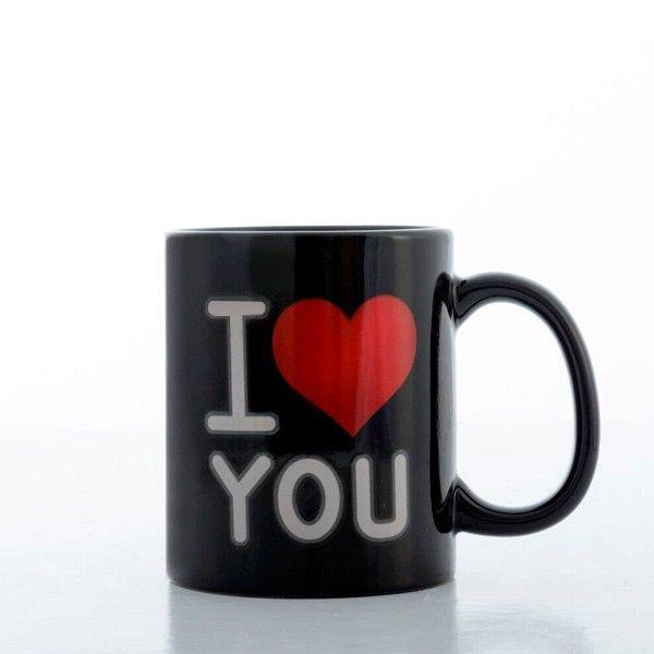 Keď hľadáte romantický darček pre svoju polovičku, čierny čarovný hrnček I Love You by mohol byť to pravé. Oslňte svojho miláčika nápojom pripraveným s láskou.