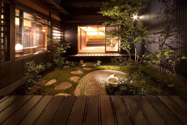 小さな庭が生み出すのは安らぎの空間。