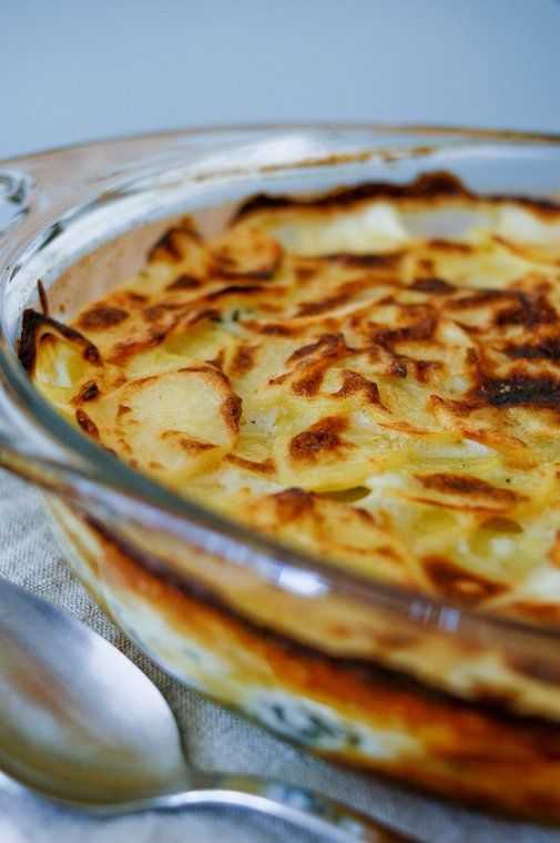 As promised when we talked about potato gnocchi earlier this month, here is my recipe for gratin dauphinois, the king …