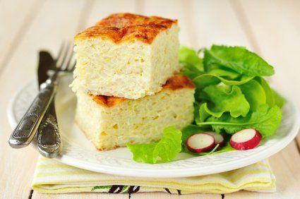 Ein einfacher Reisauflauf kann als vegetarisches Hauptgericht oder als Dessert serviert werden. Bei diesem Rezept handelt es sich nämlich um die süße Variante.
