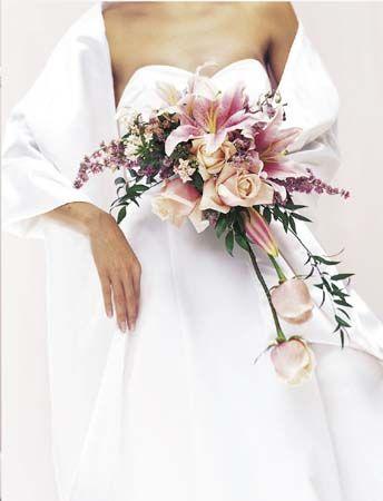 28 best images about floral crescent semi crescent for Crescent bouquet