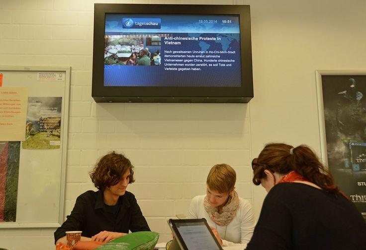Uni Wuppertal setzt auf kompas Digital Signage