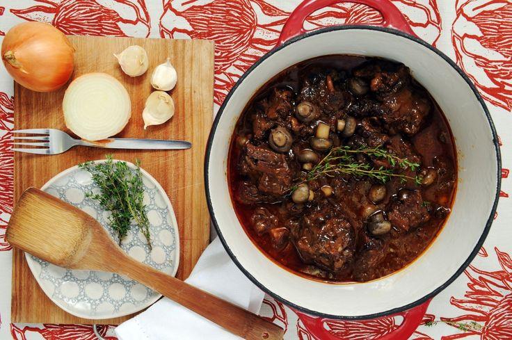 Op Dine van Zyl se Sondagtafel | Beesstert en sampioene, getroude wortels en roomkluitjies