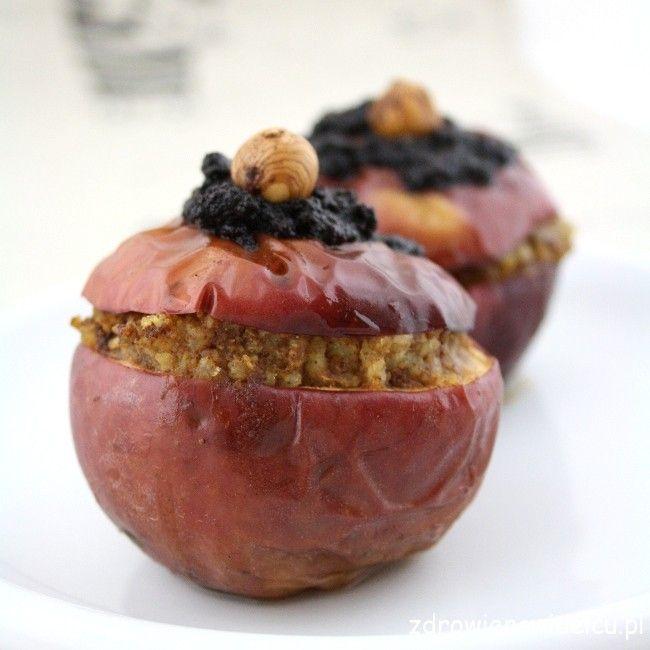 Pieczone jabłka nadziewane kaszą jaglaną