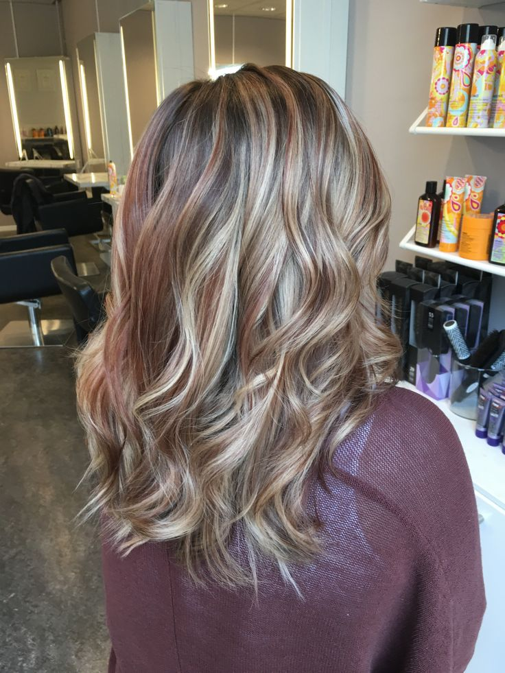 Sommarens hårfärg med varma inslag