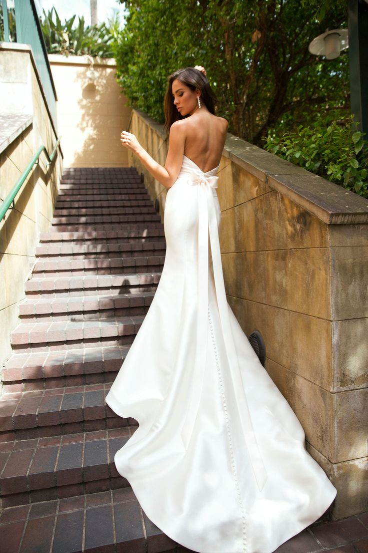 PALMER by #MiaSolano • • • • • • #luvbride #luv_bridal #bride