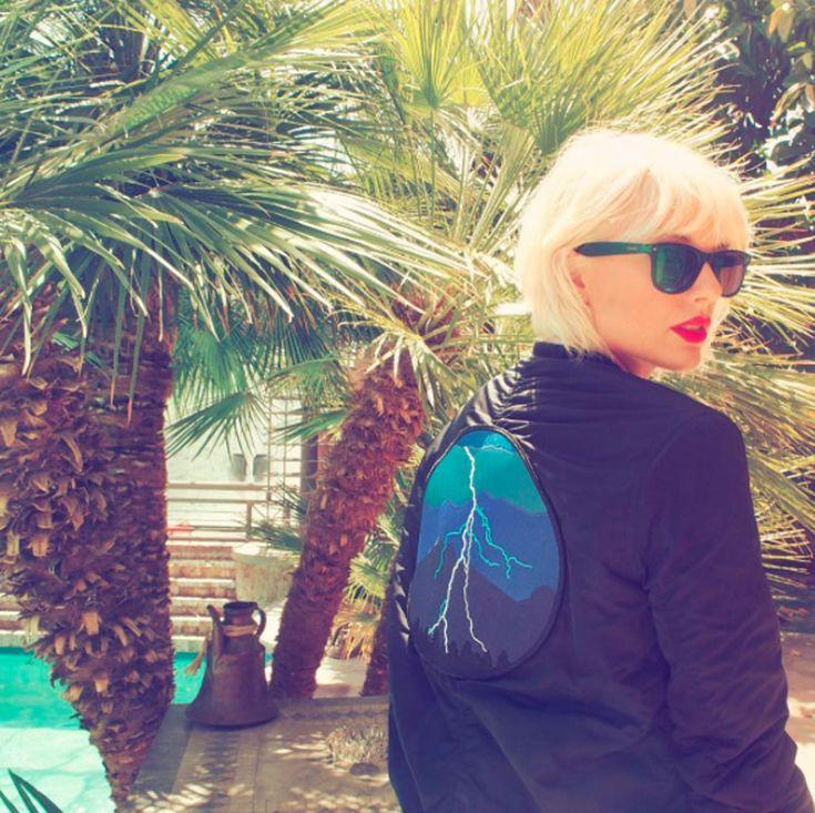 Taylor Swift ha optato per un taglio corto in questo 2016: un caschetto geometrico con frangia. Bello e seducente!