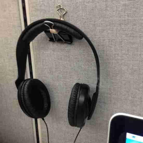 accrocher casque écouteur facilement pince note