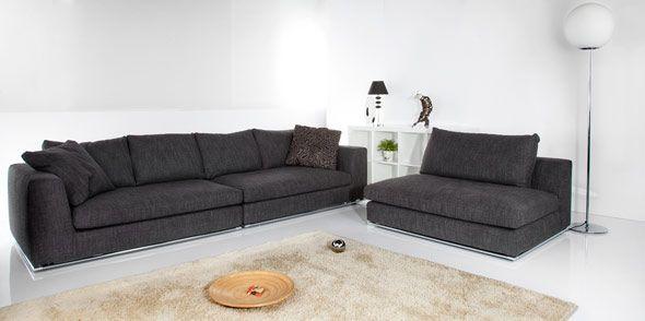 Divani angolare di linea moderna Oasi di Tino Mariani. Il divano è composto da tre elementi componibili e disponibili su misura. Il rivestimento in tessuto è completamente sfoderabile. Il divano angolare Oasi è disponibile anche in pelle, microfibra o alcantara. http://www.tinomariani.it/prodotti/divano-oasi.html