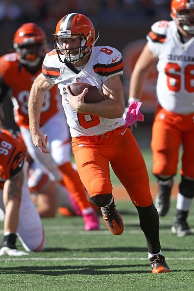 Browns vs. Bengals:     October 23, 2016  -  31-17, Bengals  -       Kevin Hogan #8 of the Cleveland Browns carries the ball for a 28 yard touch down run during the third quarter of the game against the Cincinnati Bengals at Paul Brown Stadium on October 23, 2016 in Cincinnati, Ohio. (Photo by John Grieshop/Getty Images)
