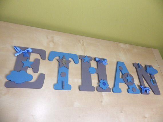 pr nom d 39 enfant en lettres en bois peint et d cor ethan chambre b b pinterest d coration. Black Bedroom Furniture Sets. Home Design Ideas