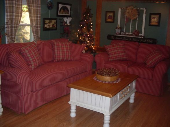 Red checked primitive couch my country living room for Primitive living room ideas