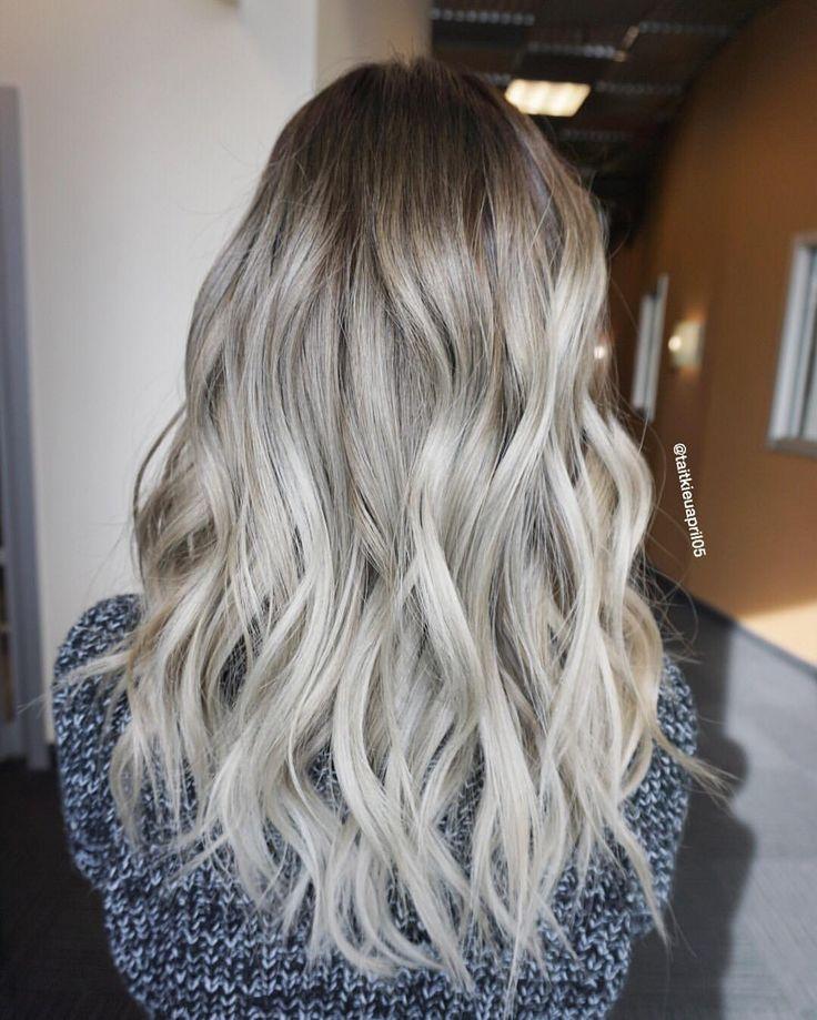 PEARL BLONDE  #olaplex @olaplex #hairslut #hairporn #hairstyle #bluehair #modernsalon #hairdresser #violetmetallic #behindthechair #americansalon #colorcorrection #colormelt #hairpainting #pastelhair #silverhair #love #blondehair #platinumblonde #whiteblonde #icyblonde #grannyhair #balayage #ombre #asianblonde #silvermetallic #silverblonde #platinumblonde