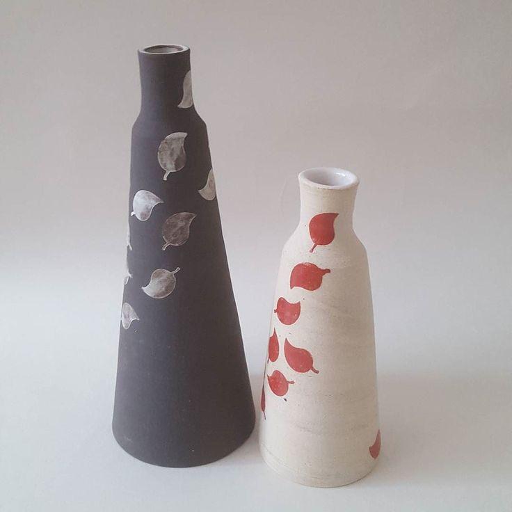 Stoneware vase with falling red leaves. . . . #handmade #ceramics #pottery #interior #home #keramik #design #vases #bottles #londonmakers #earthy #maker #crafts #craftmansship #instaceramics #tableware #madeinlondon #clay #stoneware #glaze #makerspace #CREmerging
