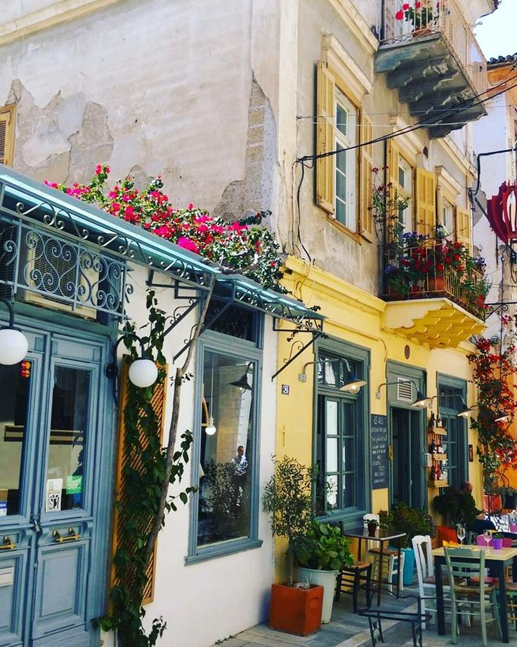 A little local flair in Nafplion, Greece for #SeabournEncore guests to admire as they stroll through the streets of this beautiful town. (pic: cruiser Jeannie) #ovtravel GDavis@DreamVacations.com