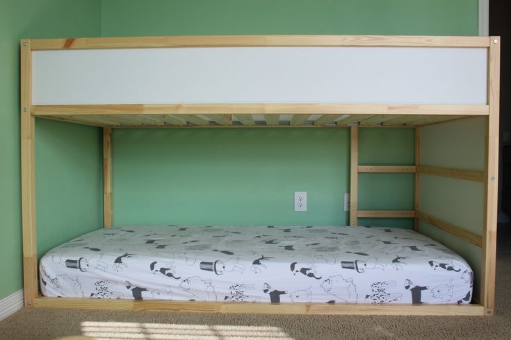 17 best images about montessori baby room on pinterest montessori montessori toddler and infants. Black Bedroom Furniture Sets. Home Design Ideas