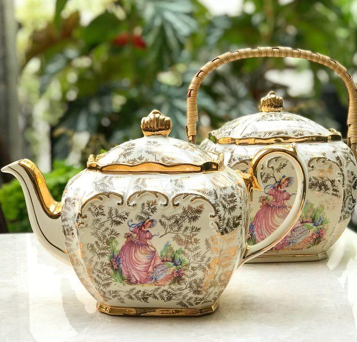 """Vintage Teapot & Biscuit Jar """"Lady PINKIE"""" by Sadler England #goodmorning #morningtea #teawithlove #tea #vintageteacup #teacups #teapot #teaparty #vintageteacups #teacup #vintageteapot #antiqueteapot #antiqueteaset #teaset #vintageteaset #collectorsitem #vintagecollector #hightea #highend #homedecor #antiqueteapot #oldteapot #england #vintageteapot #teapotlovers #teacuplovers #vintageteacup #oldteapot #bonechina #tablesetting #antiqueporcelain #englandporcelain"""