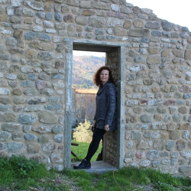 Exploring the hillside towns of Tuscany - lost in another world!