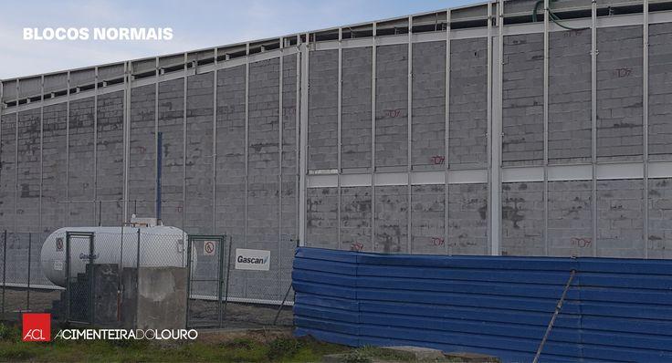 Obra em curso Centro Empresarial de Viatodos Cliente: Construcentro Materiais:  - Blocos Normais 500x200x200 mm - Blocos Lintel - Blocos Pilar - Blocos Curvos  - Argolas de Saneamento - Caixas de Derivação Simples -- Work in progress Viatodos Business Center Client: Construcentro Materials:  - Cellular Blocks 500x200x200 mm - Lintel Blocks  - Pillar Blocks - Solid Curved Blocks  - Sanitation Rings - Simple Junction Boxes