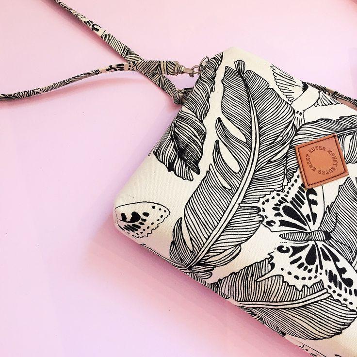 Spring vibes ☀️  Majken Bag available in the webshop now !  .  .  .  .  .  .  .  .  .  .  .  #bag #smallbag #clutch #springvibes #fashion #trend #clothing #clothes #patterndesign #design #designer #details #feather #inspo #photo #style #styleinspo #stil #mode #mote #väska #tyyli #laukku #accessories #surfacepattern #mönster #illustration #illustrator #fjäder #ruterknektdesign