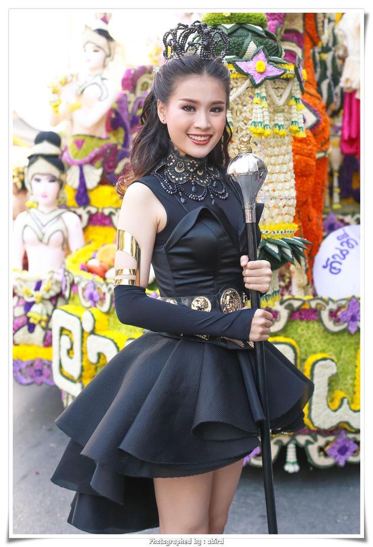 Bloggang.com : ถปรร : สาวน้อยมหัศจรรย์-ดรัมเมเยอร์งานไม้ดอกไม้ประดับเชียงใหม่ 41