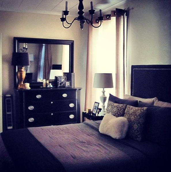 25 beste idee n over paarse slaapkamers op pinterest paarse slaapkamerinrichting lichtpaarse - Grijze hoofdslaapkamer ...