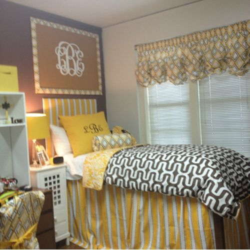 25 Best Ideas About Dorm Bed Skirts On Pinterest