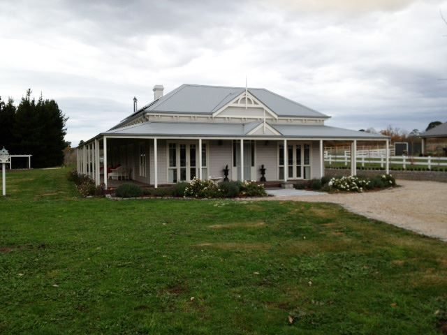 123 best images about australian homesteads on pinterest for Victorian traditional homes