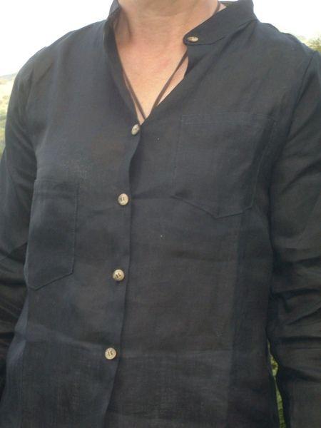 AIDONE lino nera, camicia nella tg. Small di domoras su DaWanda.com