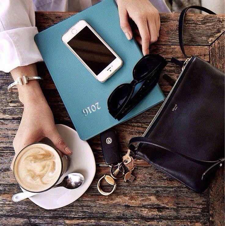 Toplantılar, iş görüşmeleri başlamadan önce #bikahve ☺️☕️ #elitoptik #istanbul #sunglasses #likes #nice #eyewear #girl #man #follow #fashion #moda #style #love #followme #fotograf #photo #happy #turkiye #smile #izmir #summer #cool #smile #beautiful #good #morning