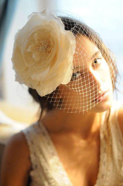 Preciosos tocados de novia de la firma @cherubinahats